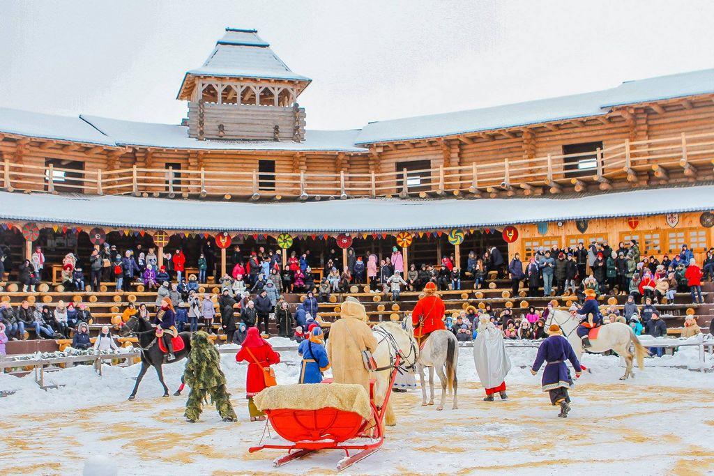 Шоу-программа «Зимняя сказка» в парке Киевская Русь