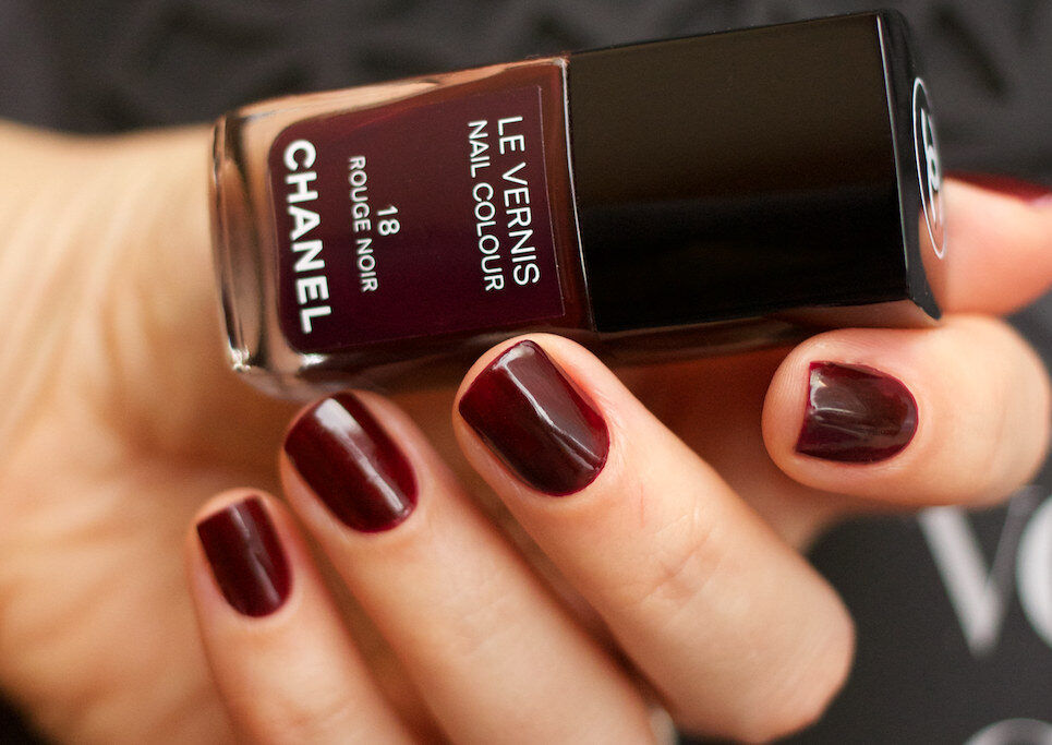 Лак Chanel «Rouge Noir»