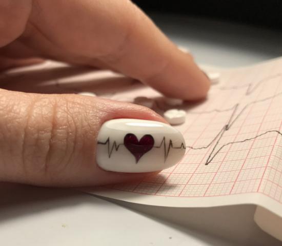 В ритме сердца - маникюр 14 февраля