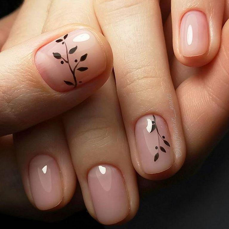 Ногти с листочками