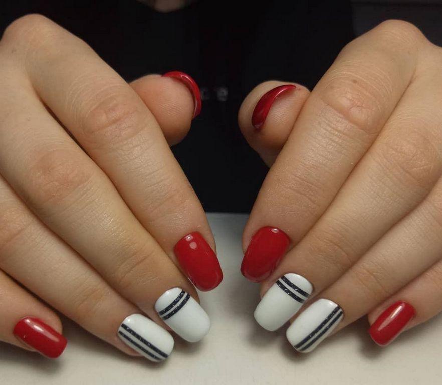 Бело-красная геометрия с черными полосками