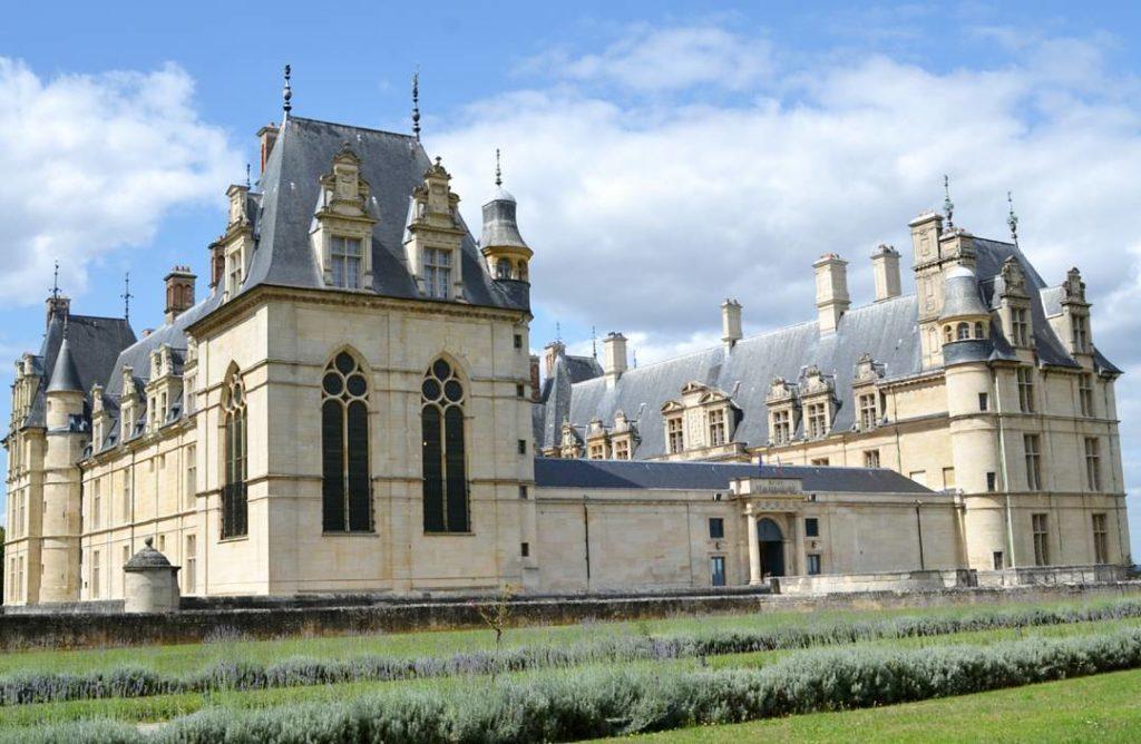 Экуанский замок (Château d'Écouen)