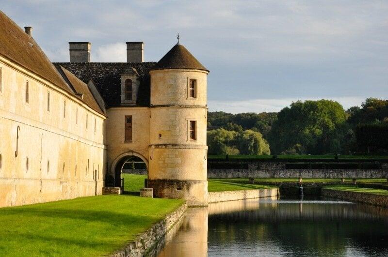 Нижний замок Виларсо (Villarceaux)