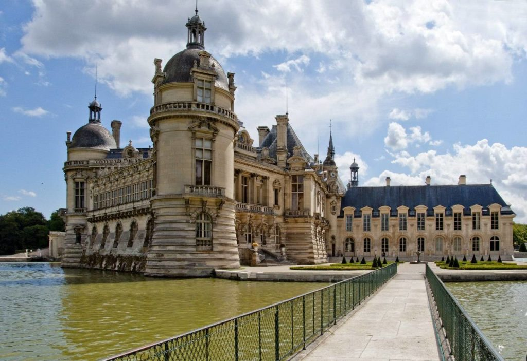 Замок Шантийи (Château de Chantilly)