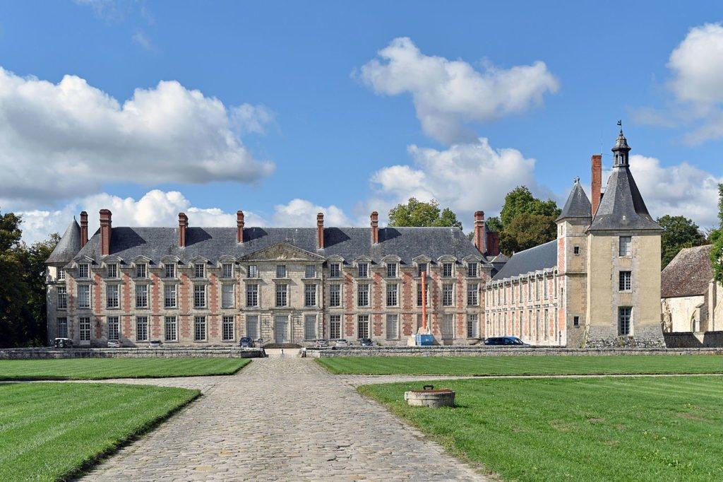Замок Флёри-ан-Бьер (Château de Fleury-en-Bière)