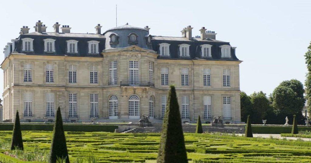 Замок Шан-Сюр-Марн (Champs-sur-Marne Castle)