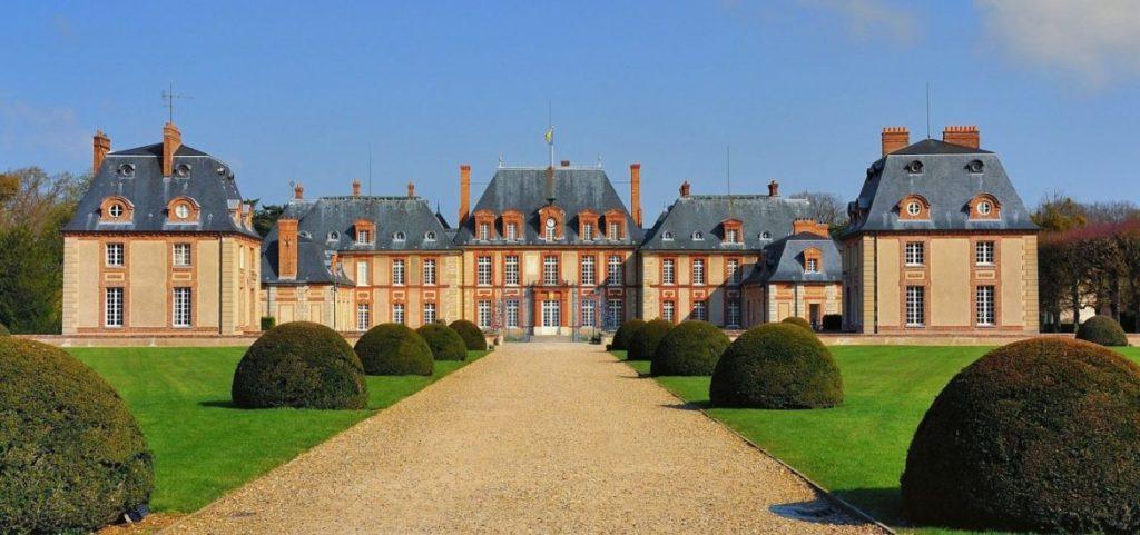Замок Бретей (Chateau de Breteuil)