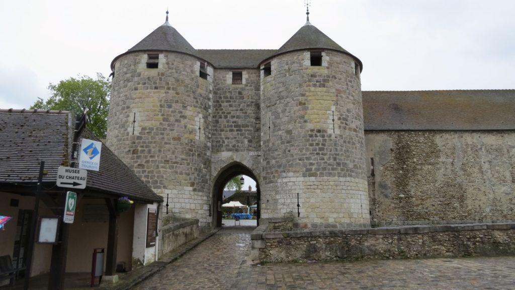 Замок Дурдан (Château de Dourdan)