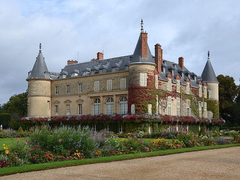 Дворец-замок в Рамбуйе (Сhateau de Rambouillet)