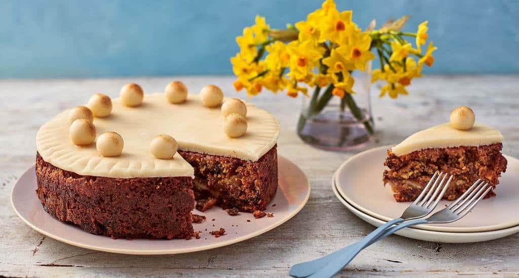 Торт симнель (simnel cake)