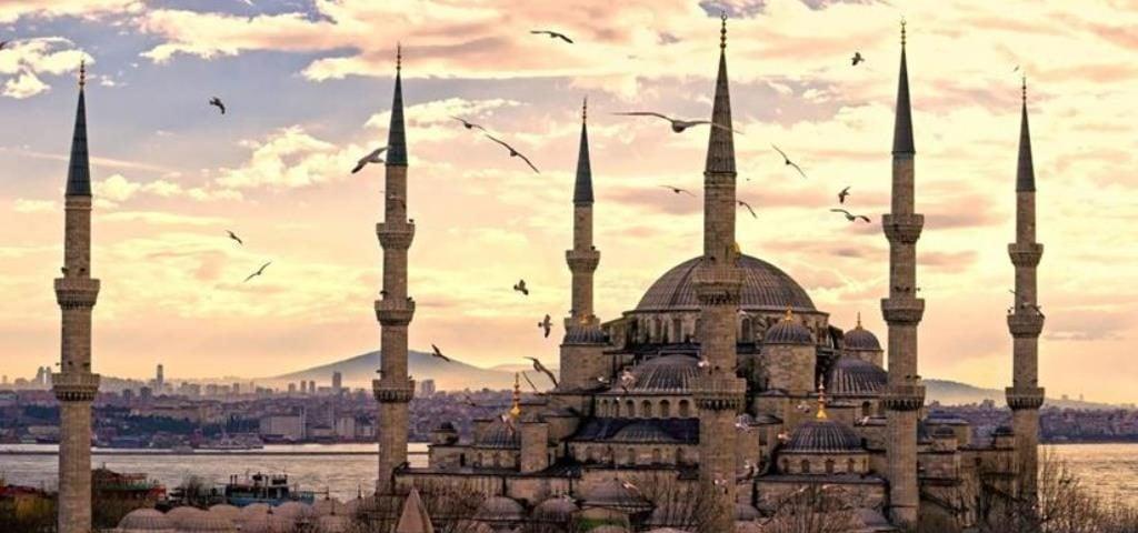 Голубая мечеть, Мечеть Султанахмет (Sultanahmet Camii)