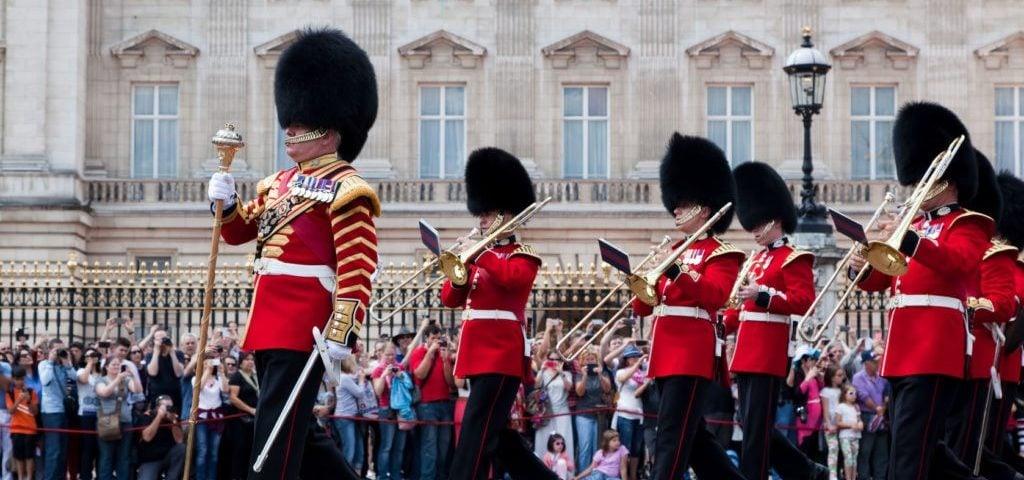 Смена караула, Букингемский дворец - Лондон