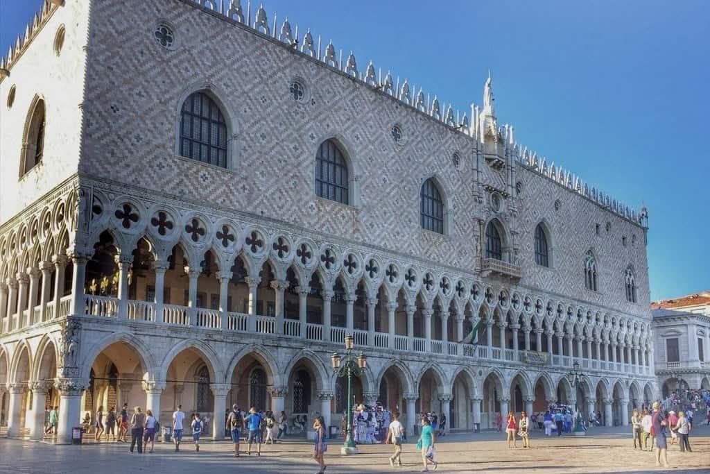 Дворец дожей (Palazzo Ducale), Дворцы и музеи Венеции