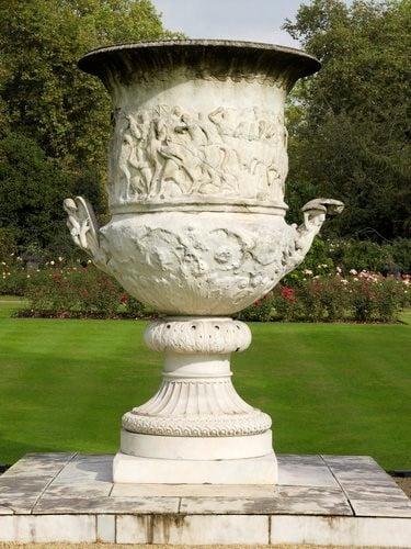 Ваза Ватерлоо, Букингемский дворец - Лондон
