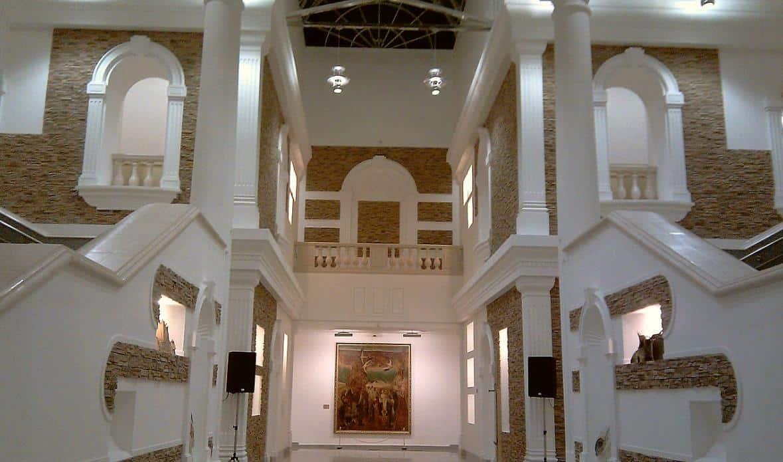 Холл нового корпуса Национального художественного музея Белоруси