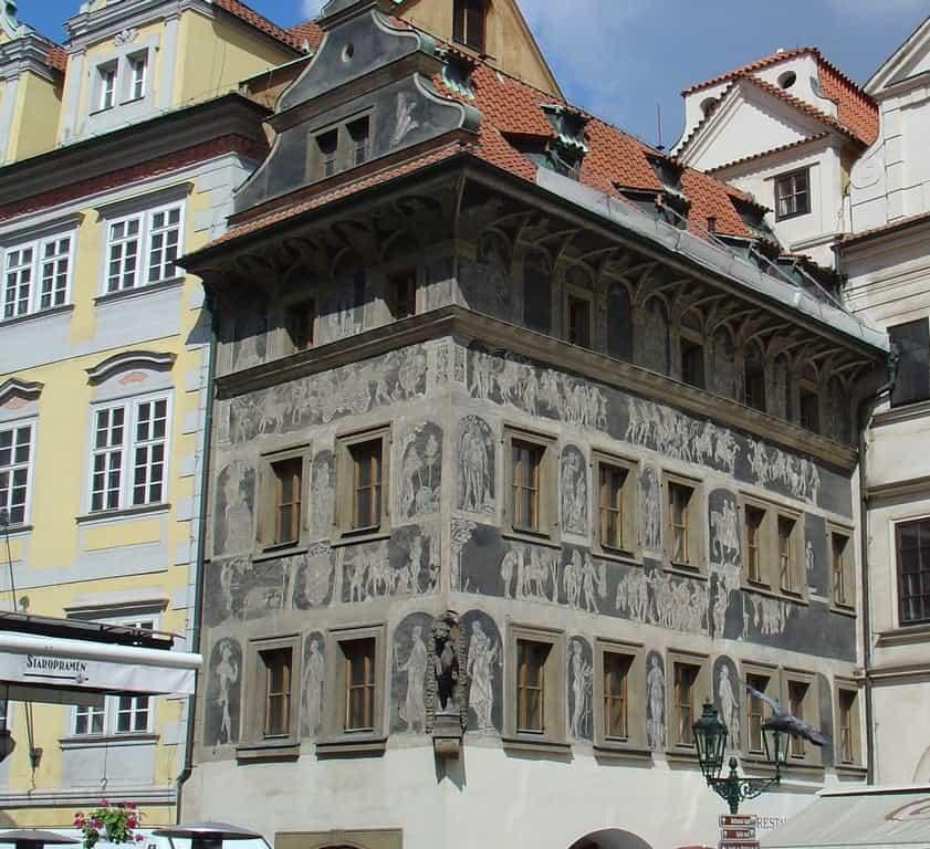 Дом «У Минуты» (Dům U Minuty), с орнаментами-сграффито