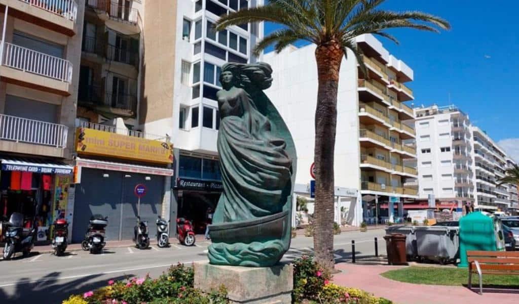 Скульптура «L'Economia» Льорет-де-Мар