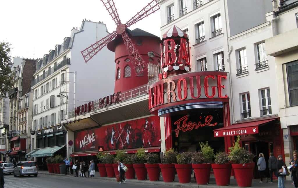 Мулен Руж (Moulin Rouge), Париж - интересные достопримечательности