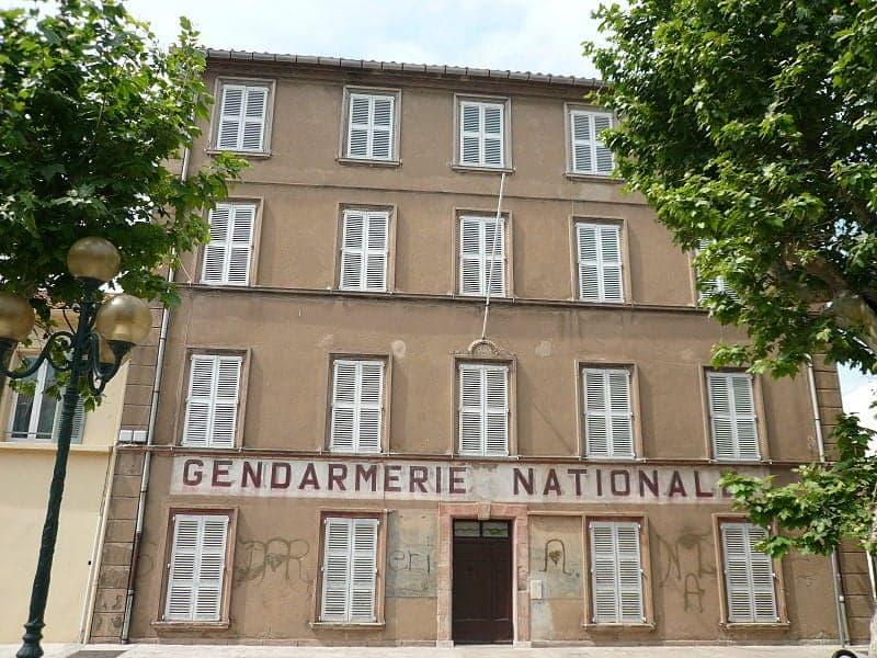Музей Musée de la gendarmerie Сен -Тропе на Лазурном побережье