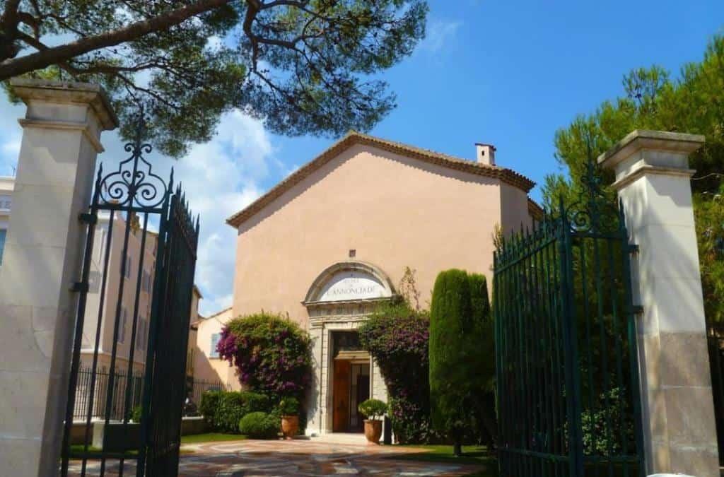 Благовещенский музей (Musée de l'Annonciade) Сен -Тропе на Лазурном побережье