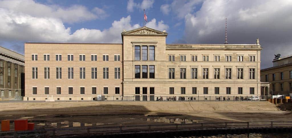 Новый музей (Neues Museum) Берлин