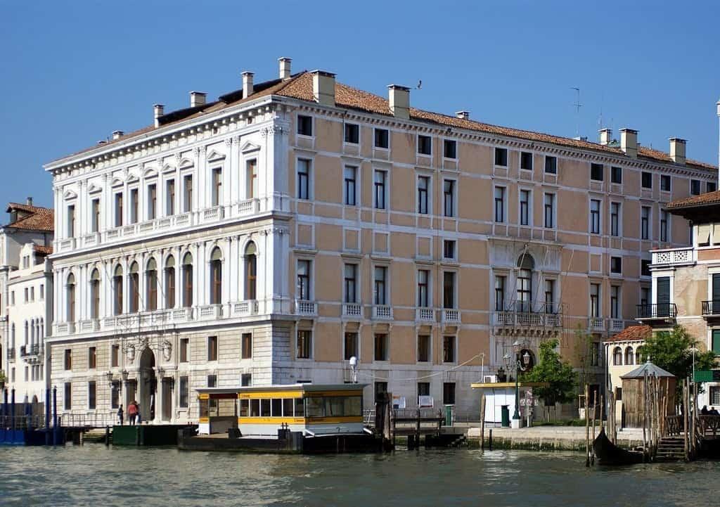 Палаццо Грасси (Palazzo Grassi)