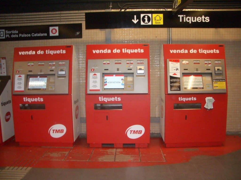 Билетные автоматы в метро Барселоны - Барселона на общественном транспорте