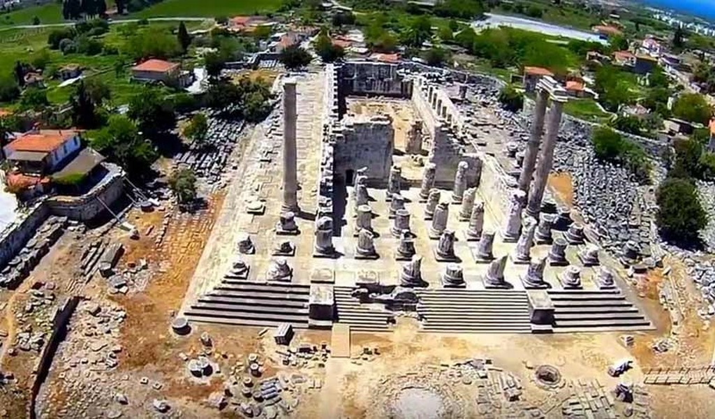 Храм Апполона (Temple of Apollo) находится на побережье Эгейского моря на окраине Дидима