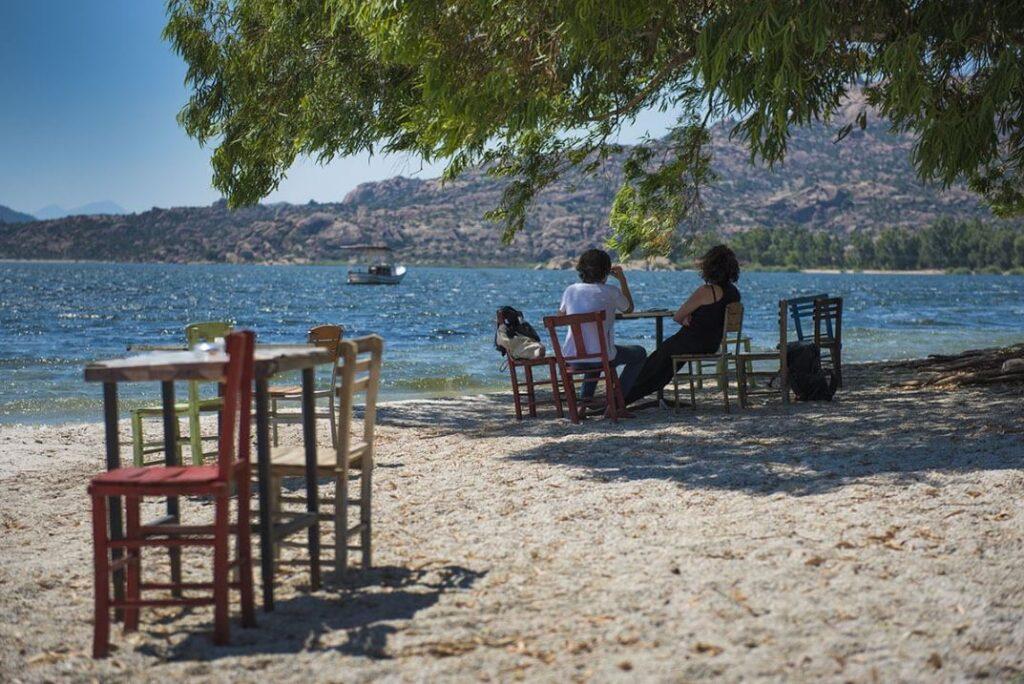 Завтрак на озере Бафа, Турция