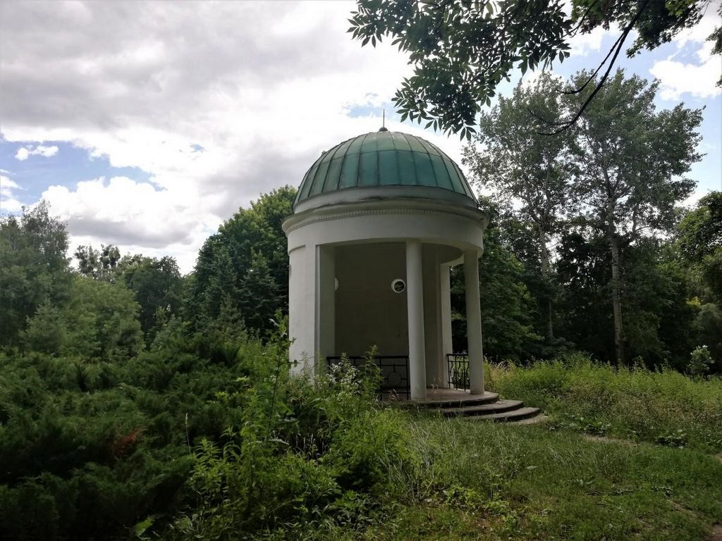 Беседка – парк Александрия