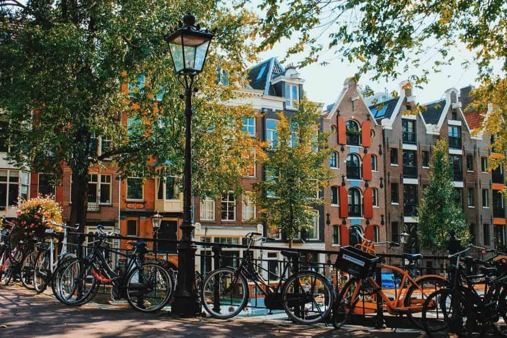 Амстердам – город каналов, любви и велосипедов! Амстердам удивительный.