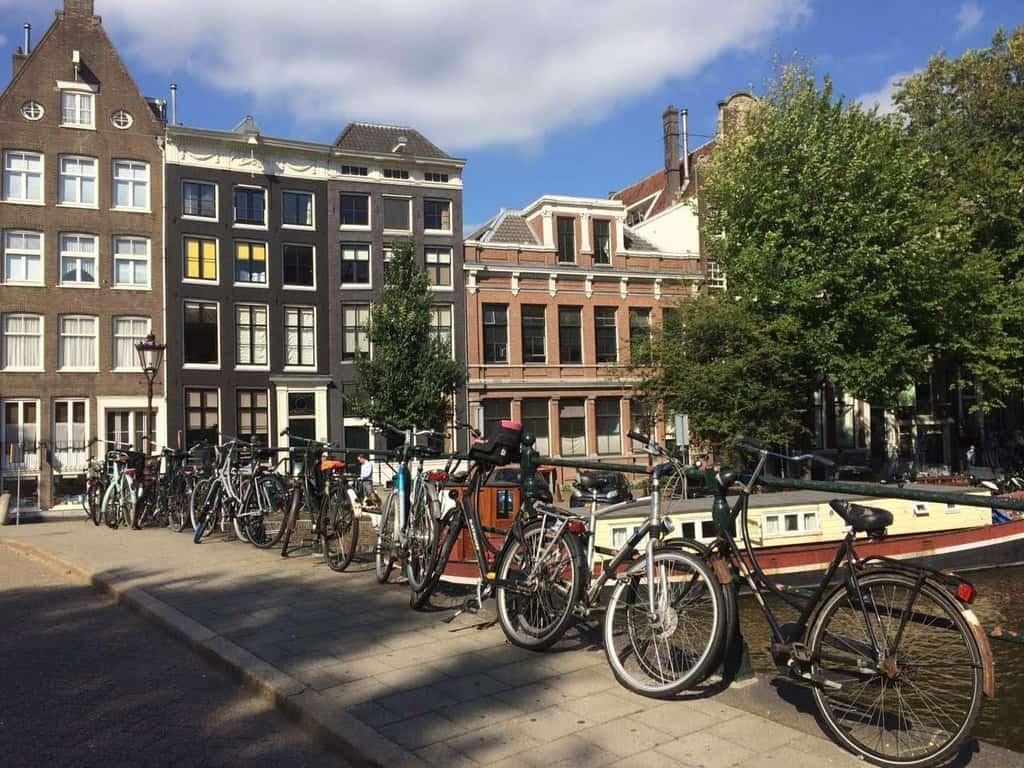 Амстердам – город велосипедов