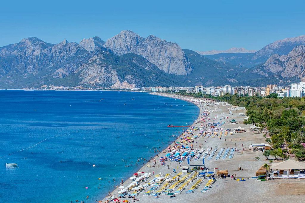 Пляж Коньялты,  Анталия - Турция