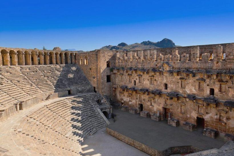 Амфитеатр в Перге