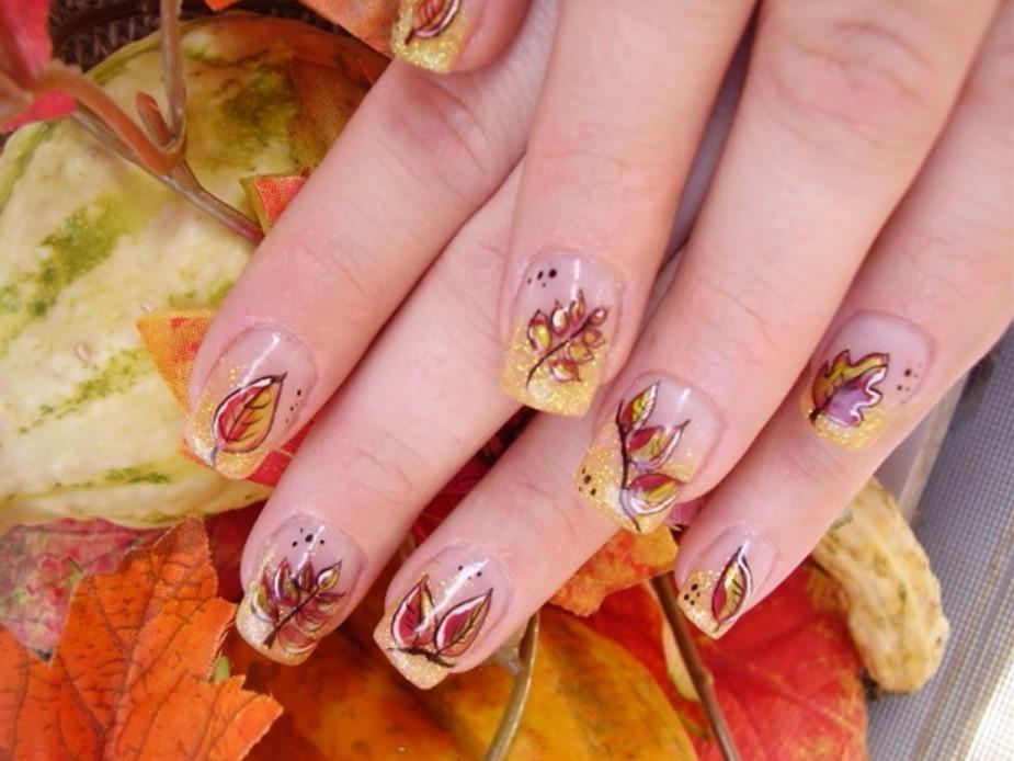 Осенние листья на голом маникюре