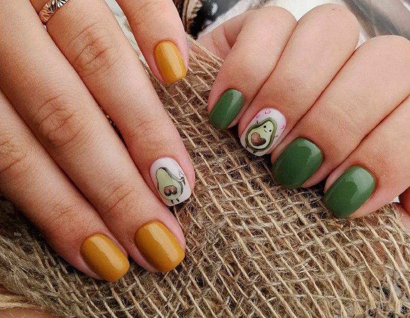 Осенний маникюр желто-зеленый с грушей