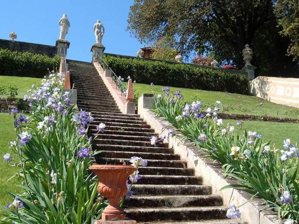 Сады Бардини (Giardino Bardini) – барочная лестница Флоренция - Италия