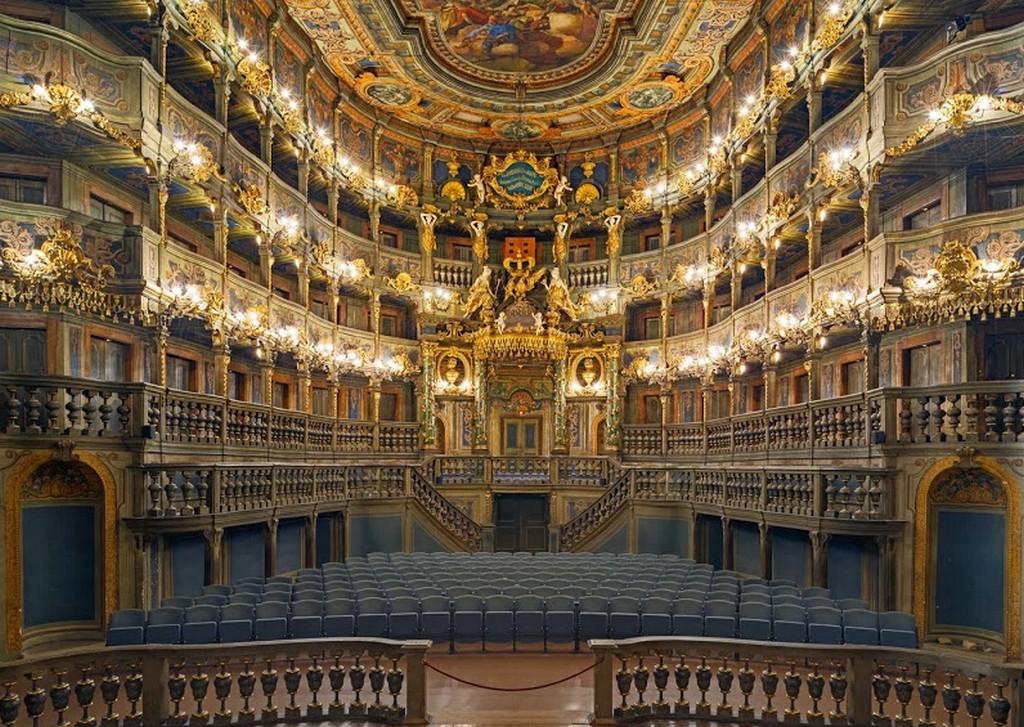 Зрительный зал Маркграфского театра Байройт (Бавария)