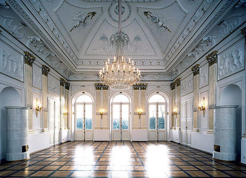 Белый зал дворца Фантази (Fantaisie Palace White Hall)