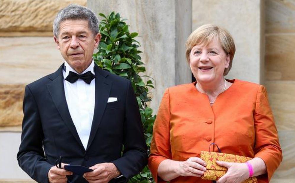 Канцлер ФРГ Ангела Меркель с супругом на открытии Байройтского фестиваля 2021 года