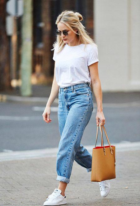 На природе - джинсы и футболка