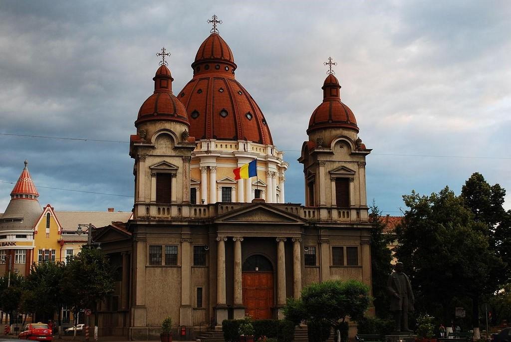 Православный храм - Благовещенская церковь в Тыргу-Муреш (Румыния)