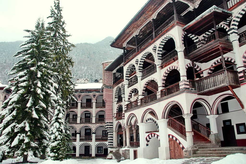 Рильский монастырь зимой. Болгария.