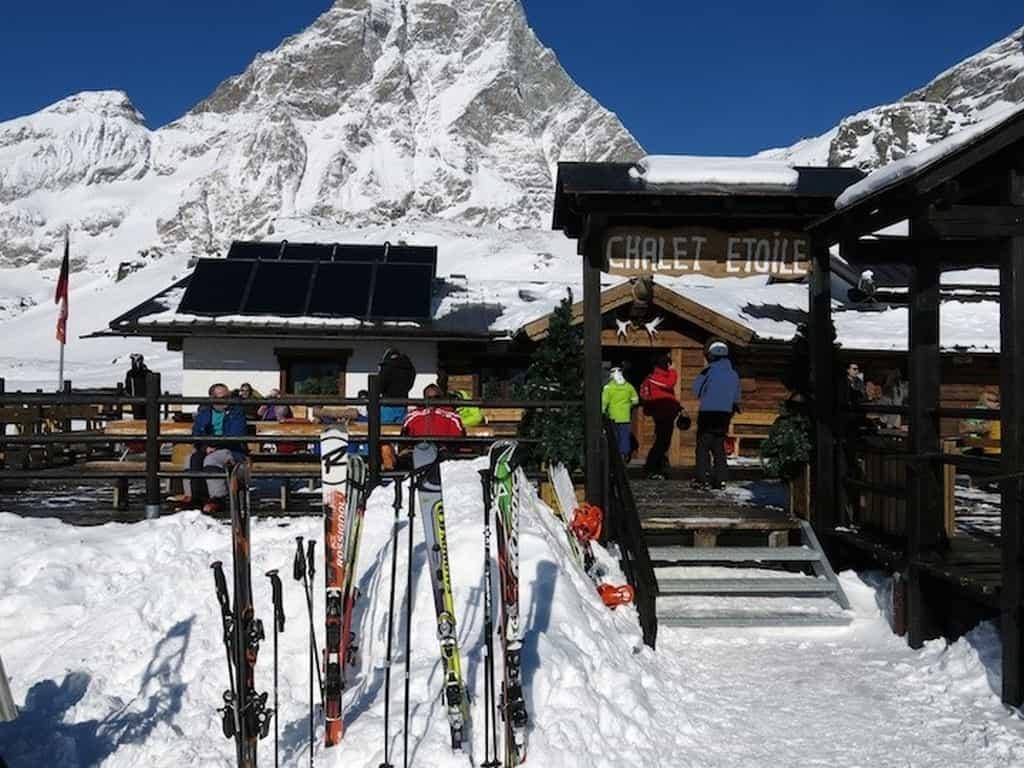 Брёй-Червиния, Chalet Etoile Restaurant находится на горе