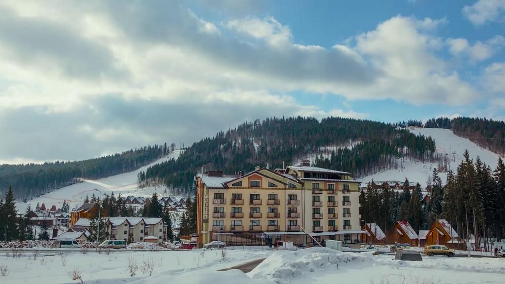 Отель «Tavel Hotel & SPA» в Буковеле