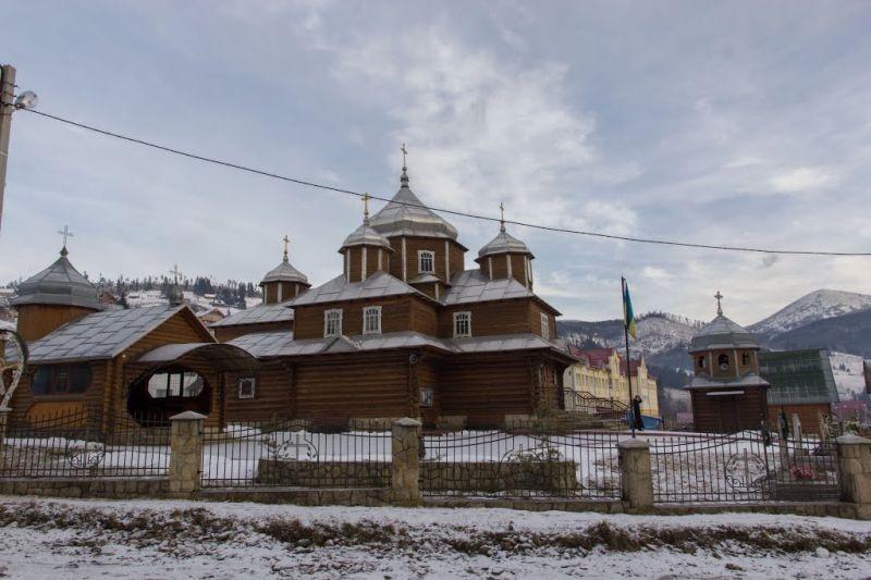 Деревянная Введенская церковь, Поляница