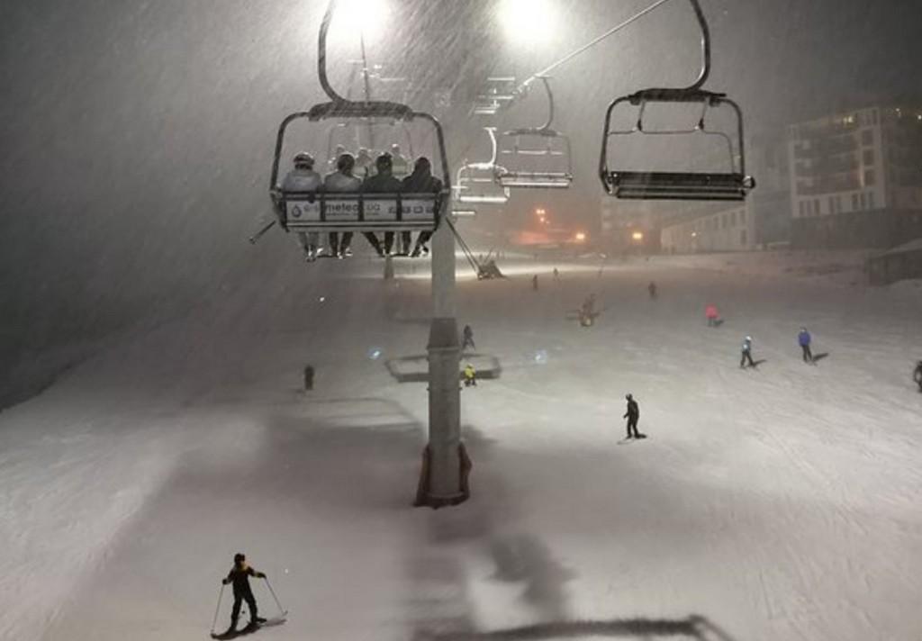 Вечернее катание, горнолыжный курорт Буковель