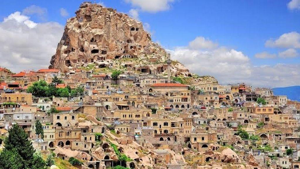 Город и крепость Учхисар, Каппадокия (Турция)