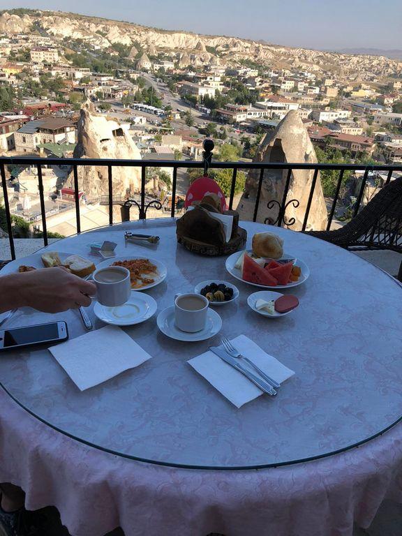 Завтрак в отеле в Каппадокии