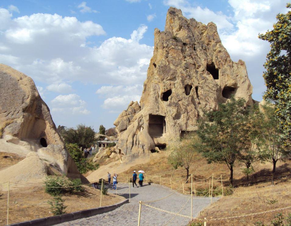 Женский монастырь в Каппадокии